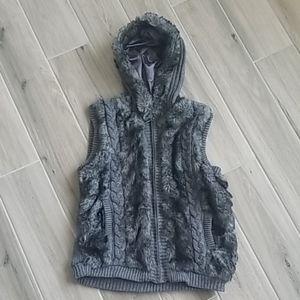 GreenTea Faux Fur Cable Knit Sweater Vest …